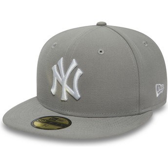 New Era Flat Brim Mit Weißem Logo 59FIFTY Essential New York Yankees MLB Fitted Cap grau