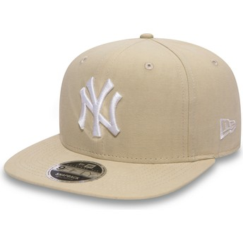 New Era Flat Brim 9FIFTY Lightweight Essential New York Yankees MLB Snapback Cap pink