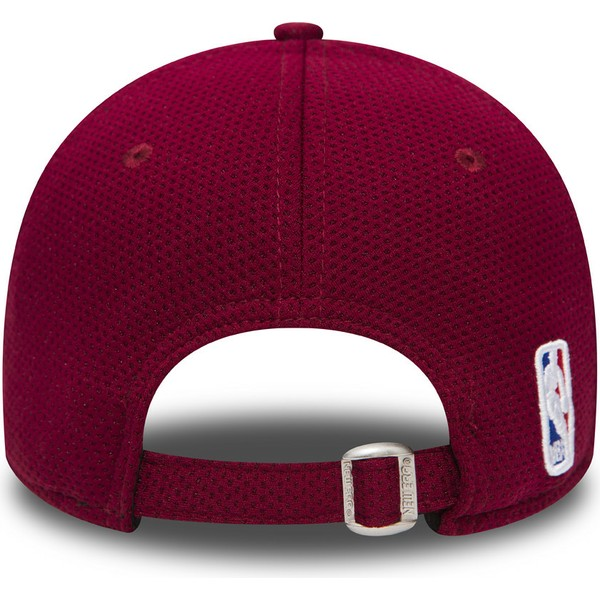 new-era-curved-brim-9forty-mesh-cleveland-cavaliers-nba-adjustable-cap-verstellbar-rot-und-blau