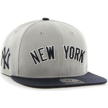 47 Brand Flat Brim Seitliches Logo MLB New York Yankees Snapback Cap grau